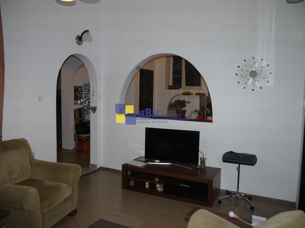 Apartament 3 camere mobilat Central