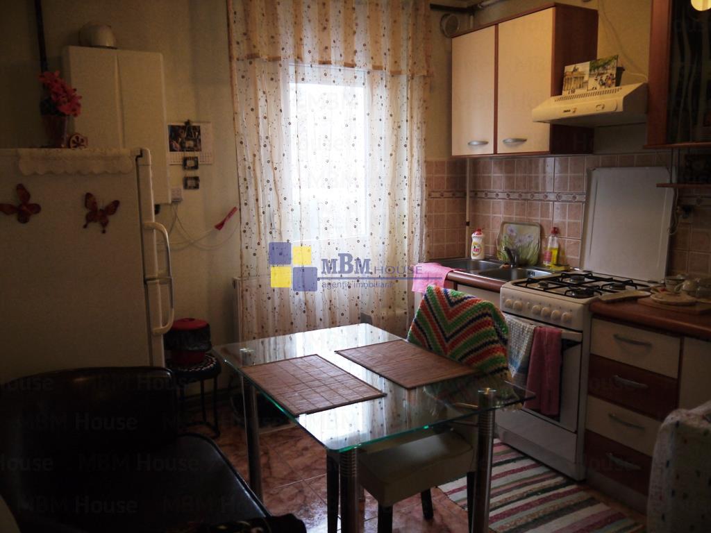 Apartament 2 camere mobilat AstraSaturn