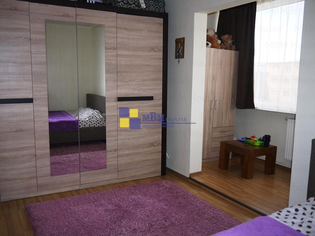 Apartament 2 camere,etaj intermediar,Calea Bucuresti